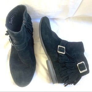 Minnetonka Rancho ankle boots black suede Size 7